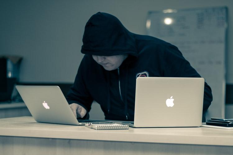 كيفية حماية الأجهزة من السرقة: أفضل 3 برامج تحمي الهواتف الذكية