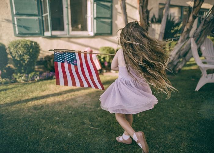 امتيازات الحصول على الجنسية الأمريكية لحديثي الولادة