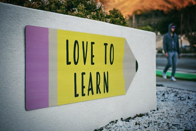 أهم المهارات المطلوبة لتعلم لغة جديدة في وقت قصير