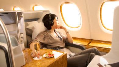 كيف تسافر في درجة رجال الأعمال بـ 4 حيل أهمها السفر يوم عيد الميلاد