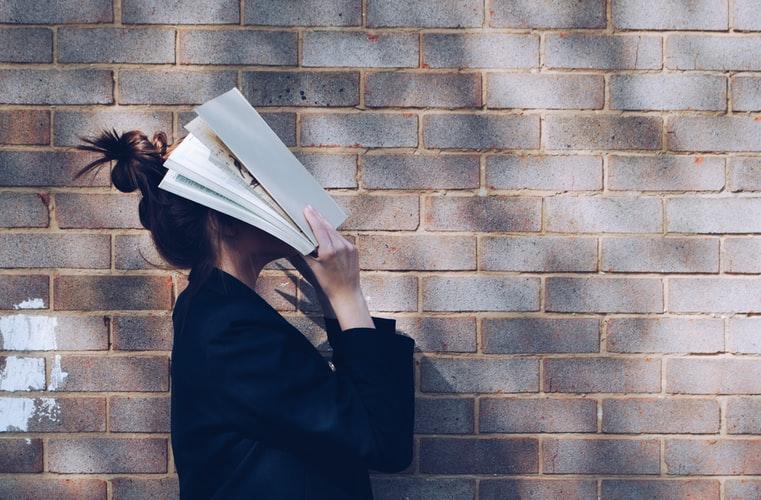 كيف أحفظ المعلومات أثناء القراءة: أهم 4 أطعمة لتقوية الذاكرة