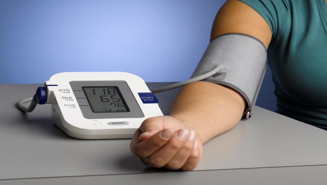 كيفية قياس ضغط الدم بشكل صحيح؟ 8 أخطاء يجب عليك تجنبها