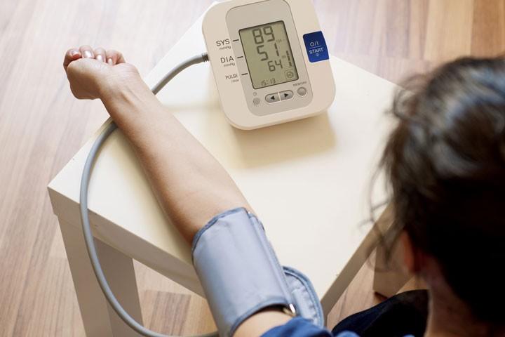 كيفية قياس ضغط الدم؟