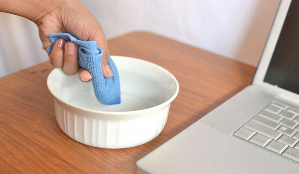 كيفية تنظيف اللاب توب بطريقة صحيحة؟