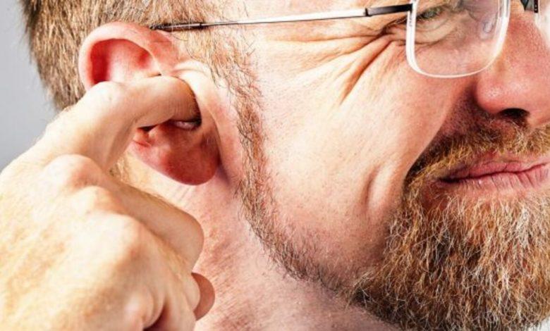 كيفية تنظيف الأذنين بشكل صحيح وأهم 4 طرق لا تسبب أي ضرر