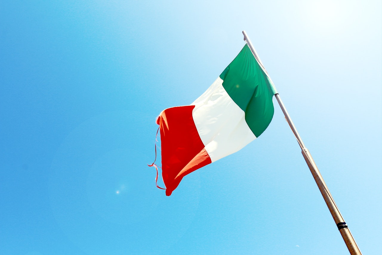كيف تسافر إلى إيطاليا