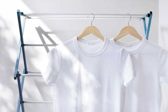 غسيل الملابس البيضاء وإزالة البقع بالليمون