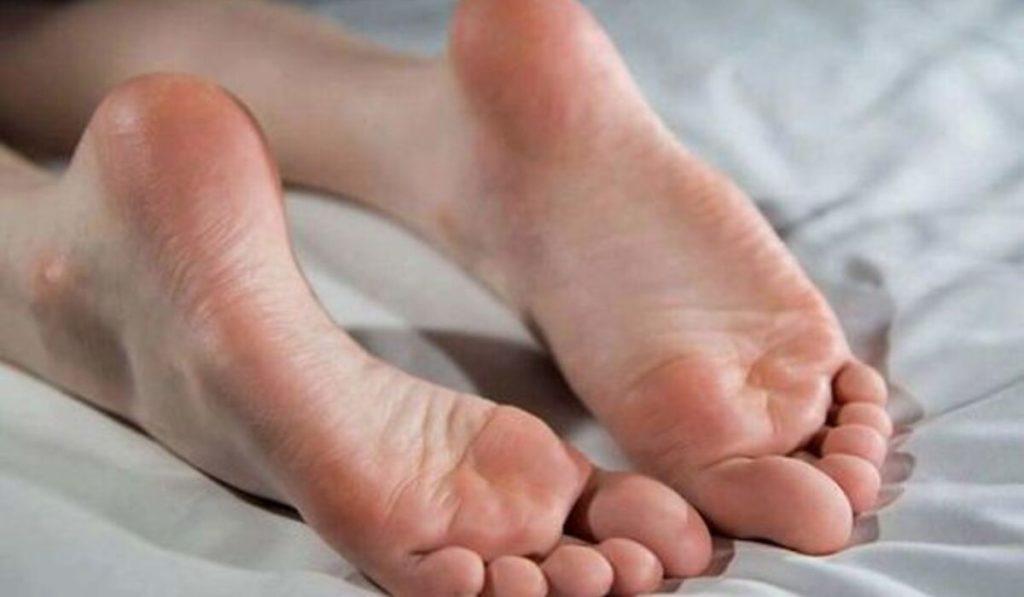 علاج تشقق القدمين الشديد بالوصفات الطبيعية