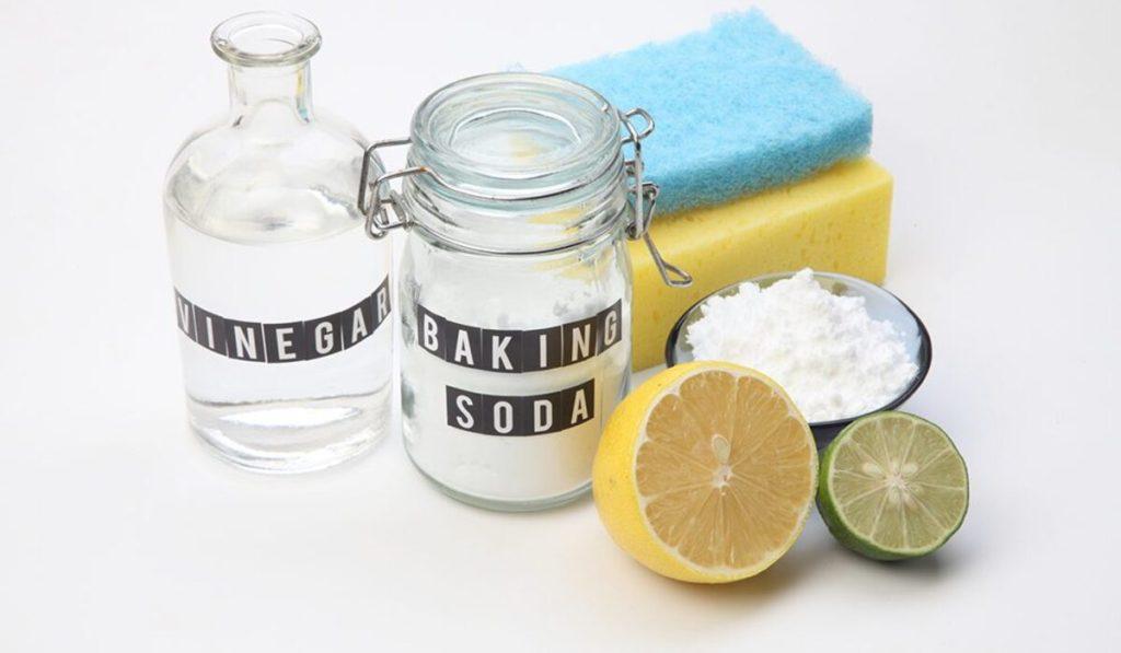 كيفية صناعة خلطات التنظيف في المنزل
