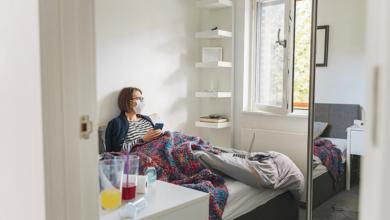 كيفية التعامل مع مريض فيروس كورونا وأهم 17 معلومة حول العزل المنزلي