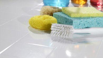 كيف يمكن إزالة الأسمنت الملتصق بالأرضيات؟ وأهم 3 مكونات لتنظيف البقع الأسمنتية