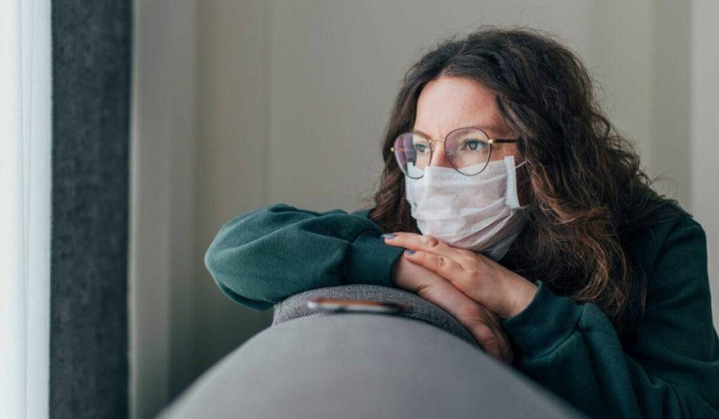 كيف تنتشر أعراض سلالة فيروس كورونا الجديدة ؟