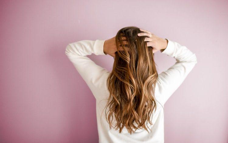 كيفية علاج الشعر الخفيف: 6 خطوات للتخلص من مشكلة التساقط نهائيًا