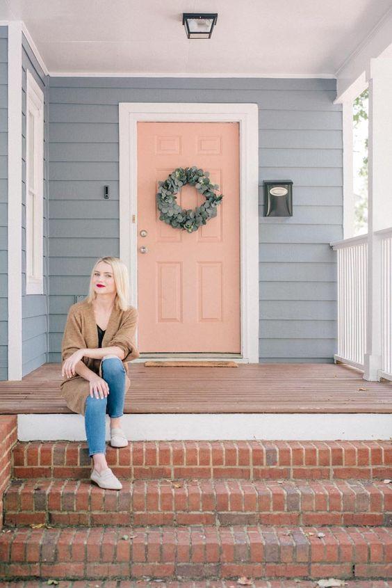 اختيار اللون المناسب لابواب المنزل