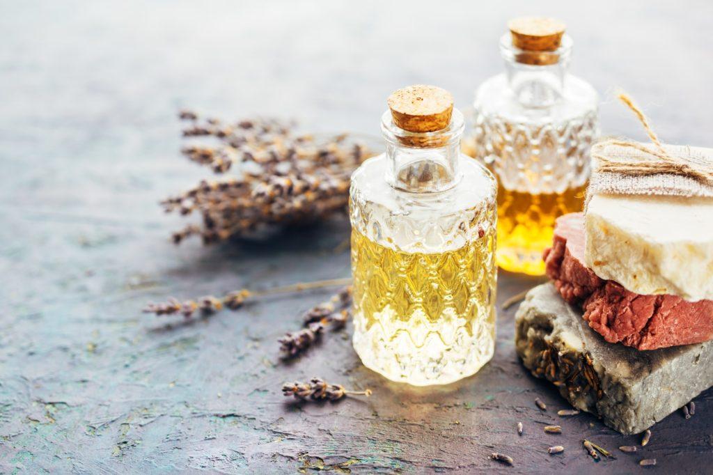 8 طرق منزلية علاج جفاف البشرة في الشتاء