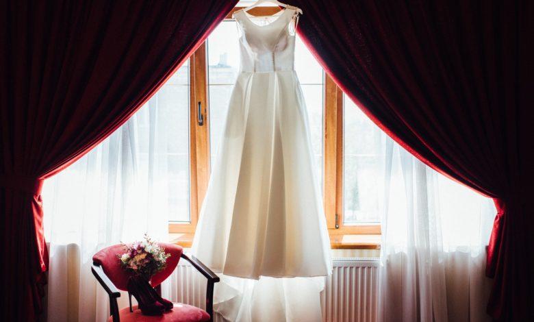 كيفية تنظيف فستان الزفاف بعد استخدامه في 6 خطوات؟