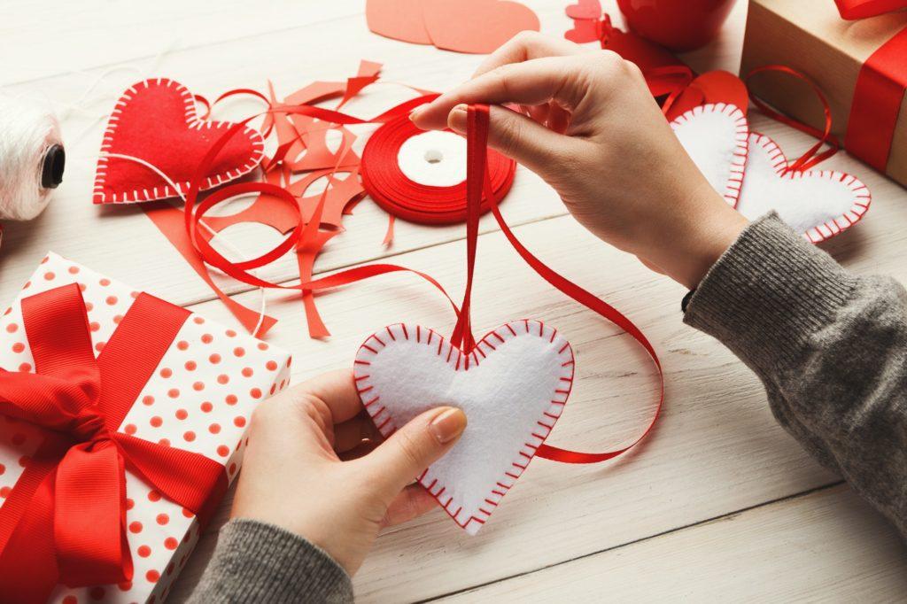 الهدايا التي تقدم في عيد الحب للرجال