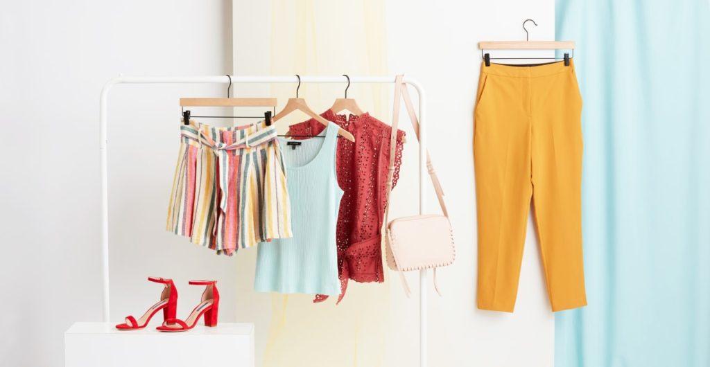 نصائح اختيار الملابس المناسبة في فصل الصيف