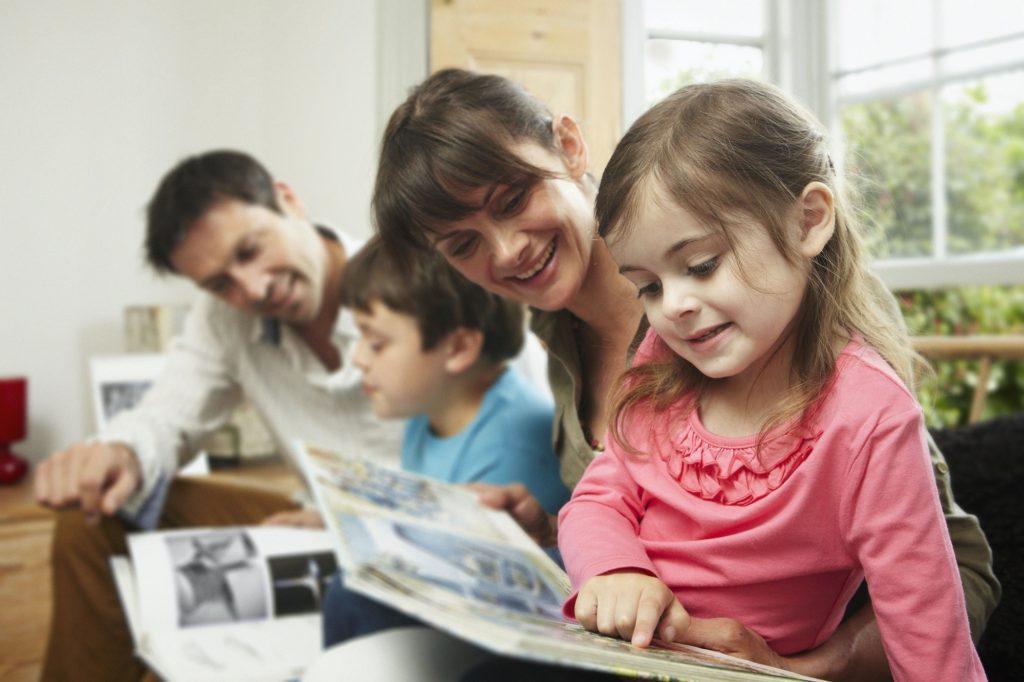 كيفية تعلم الطفل القراءة بسهولة؟