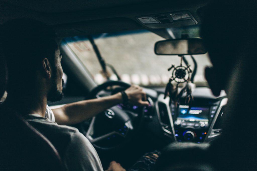 كيفية تعلم قيادة السيارة بسهولة؟