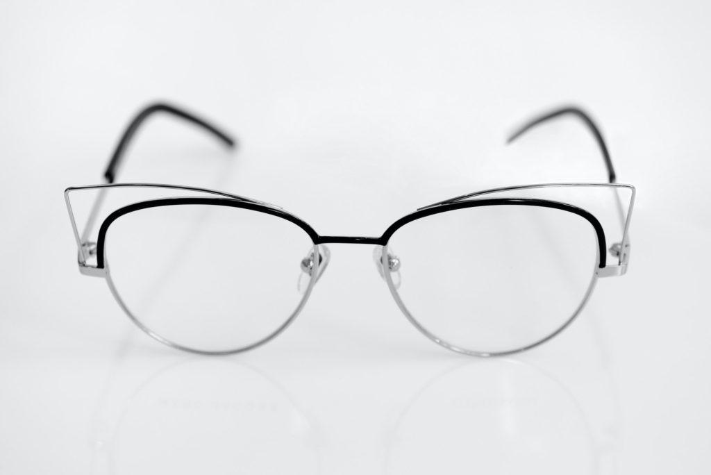 أفصل منظفات عدسات النظارات الطبية والشمسية