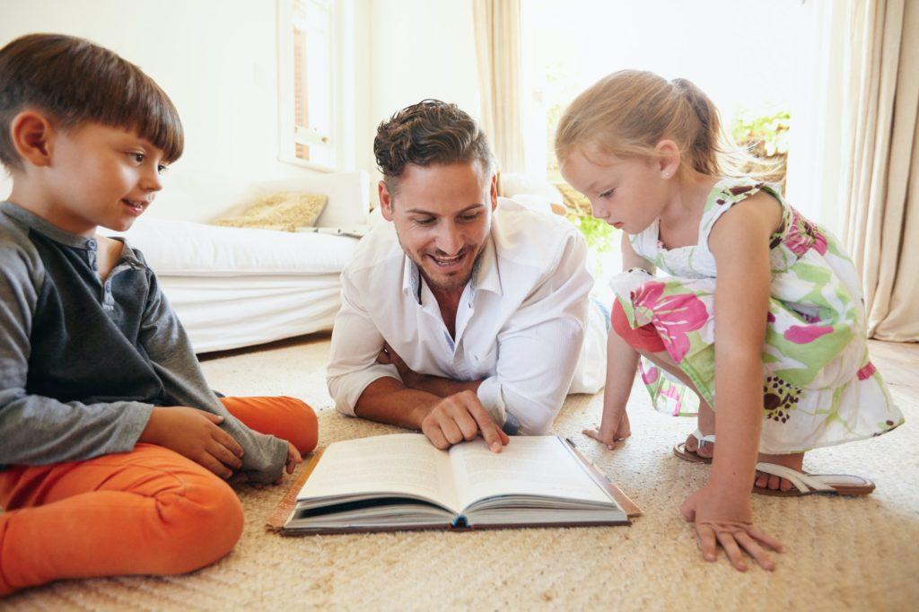 أهمية تعليم القراءة والكتابة