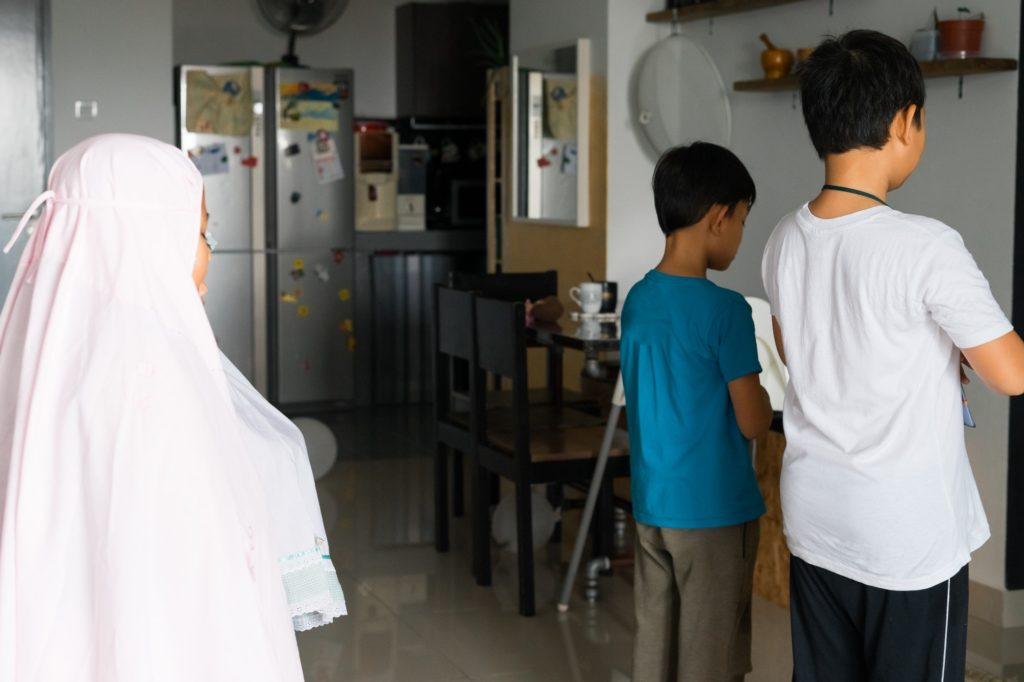 أهمية تعليم الصلاة للأطفال