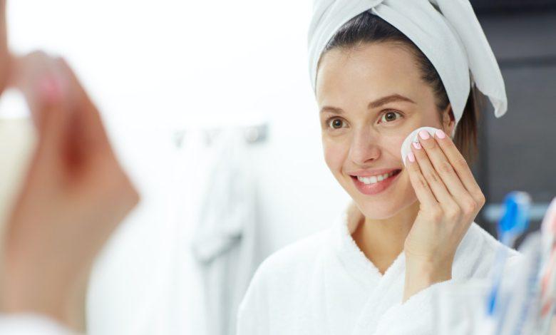 كيفية إزالة شعر الوجه بـ 5 طرق لا تؤثر علي البشرة إطلاقًا؟
