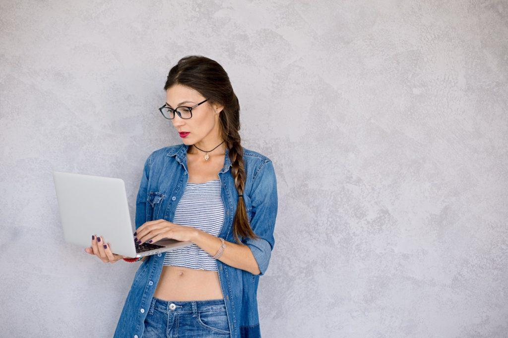 كيفية التعرف على مقاس النظارات عند شرائها أونلاين؟