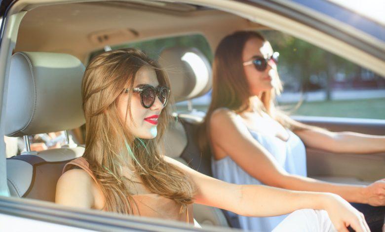 كيفية ارتداء النظارات الشمسية؟ 6 أمور لا تعرفها عن إتيكيت ارتدائها