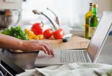كيفية تعلم الطبخ للمبتدئين؟ أفضل 10 قنوات يوتيوب لعمل ألذ الوجبات