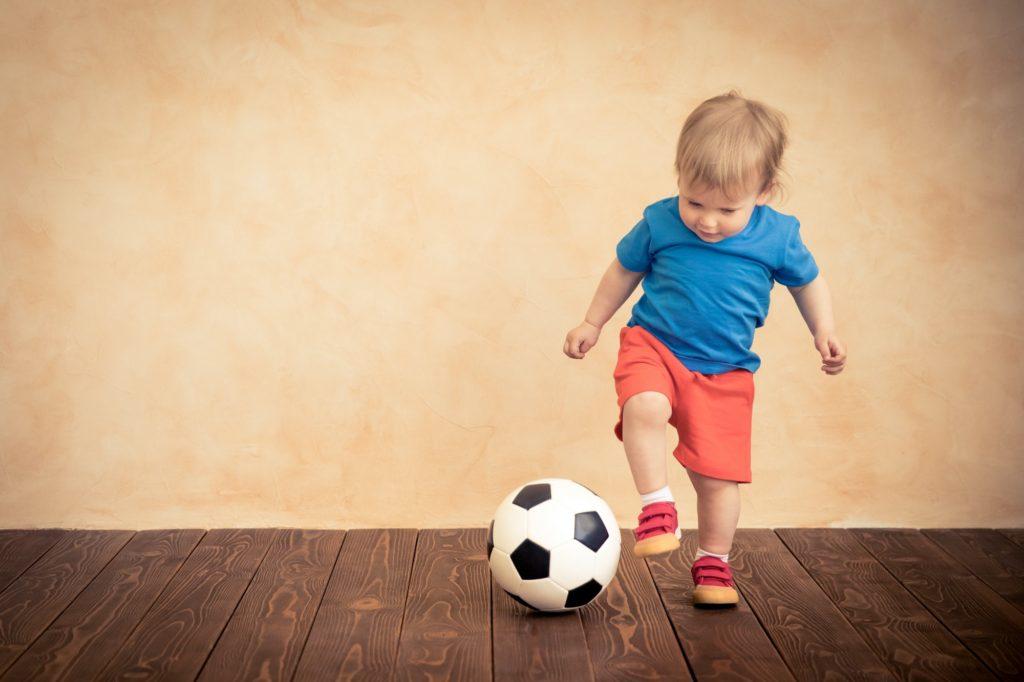 فوائد تعلم مهارات كرة القدم للصغار
