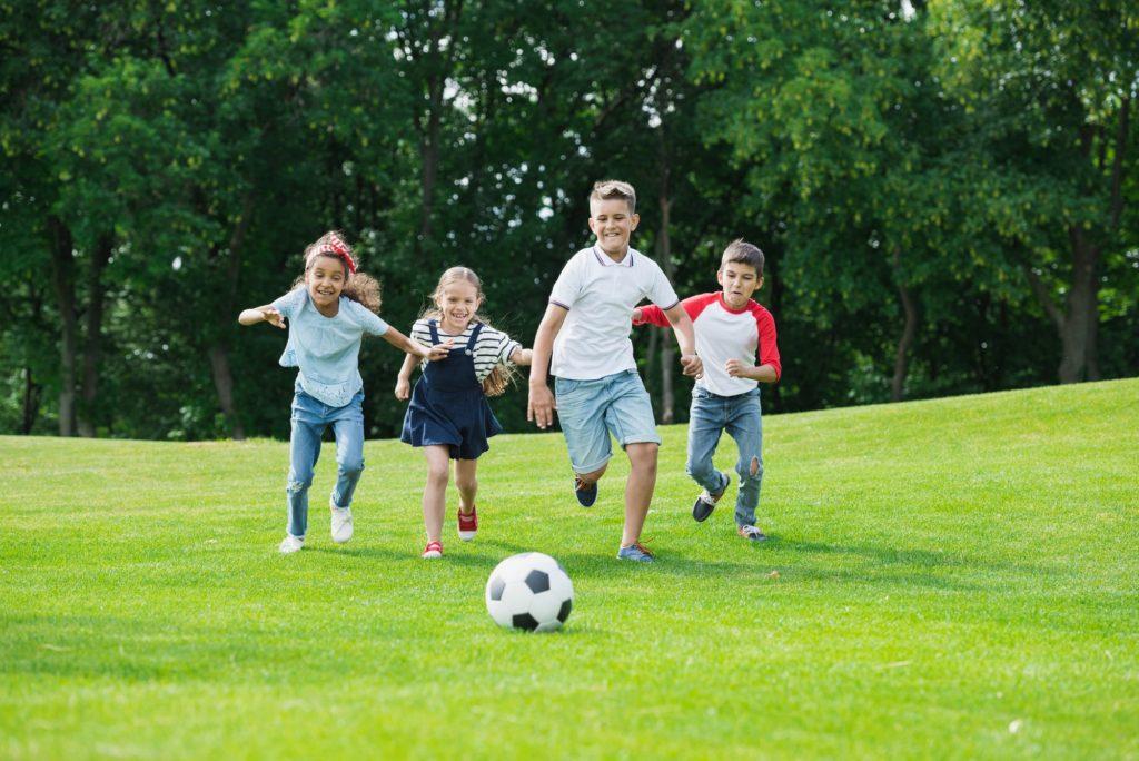 تعليم مهارات كرة القدم للأطفال من الصفر حتى الاحتراف