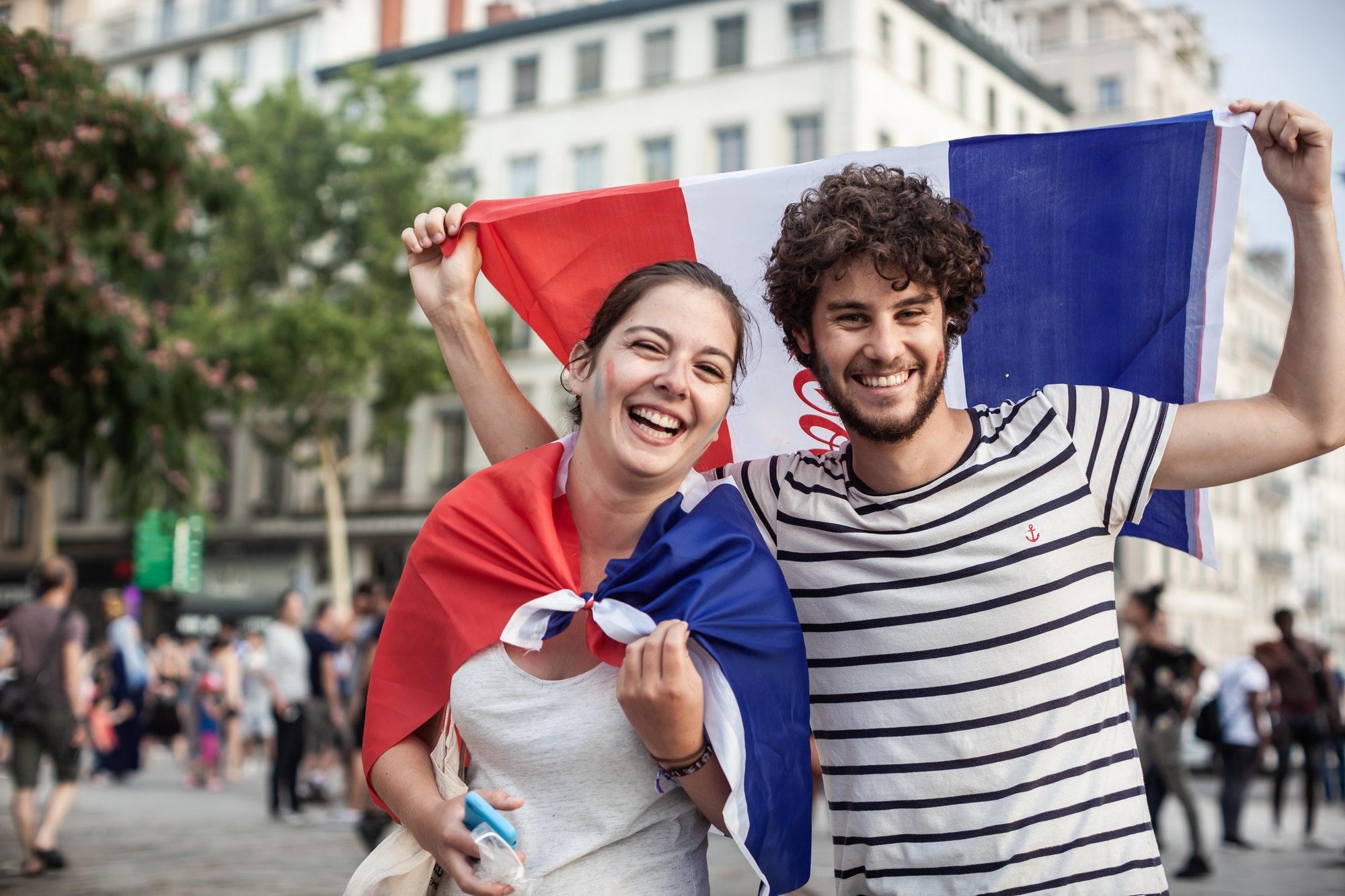 كيفية تعلم الفرنسية بدون معلم