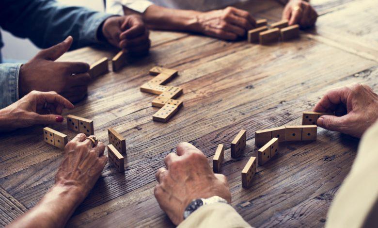 كيفية تعلم لعب الدومينو باحتراف؟ 8 خطوات لابد من التركيز عليها لاحترافها بسرعة
