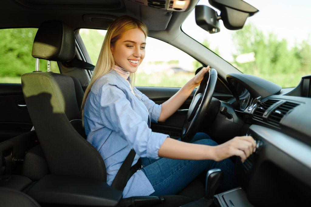 إرشادات لابد أن يعرفها المبتدئين عن قيادة السيارة