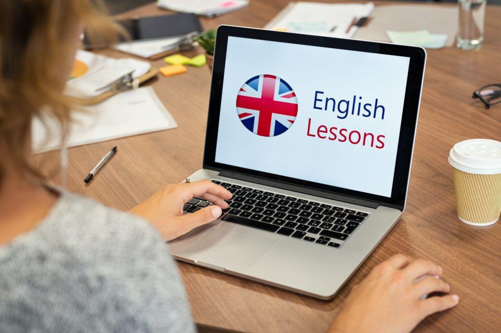 كيفية تعلم اللغة الانجليزية من الصفر خلال 70 يوم مجانًا؟