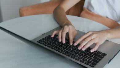 كيفية تعليم الكتابة على الكمبيوتر للمبتدئين في 4 خطوات سهلة؟