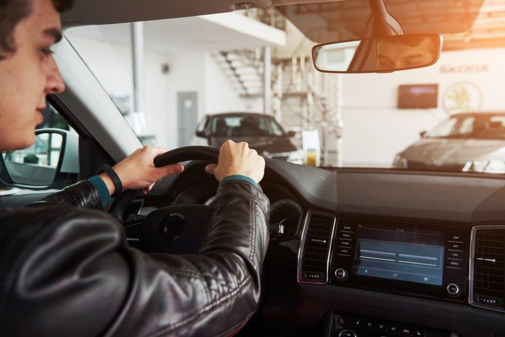 8 نصائح للمبتدئين فى تعلم قيادة السيارات