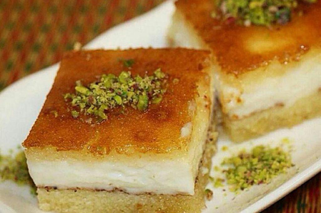 طريقة عمل البسبوسة بالقشطة أشهر حلويات رمضان