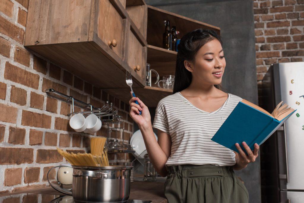 6 خطوات تساعد على تعلم الطهي
