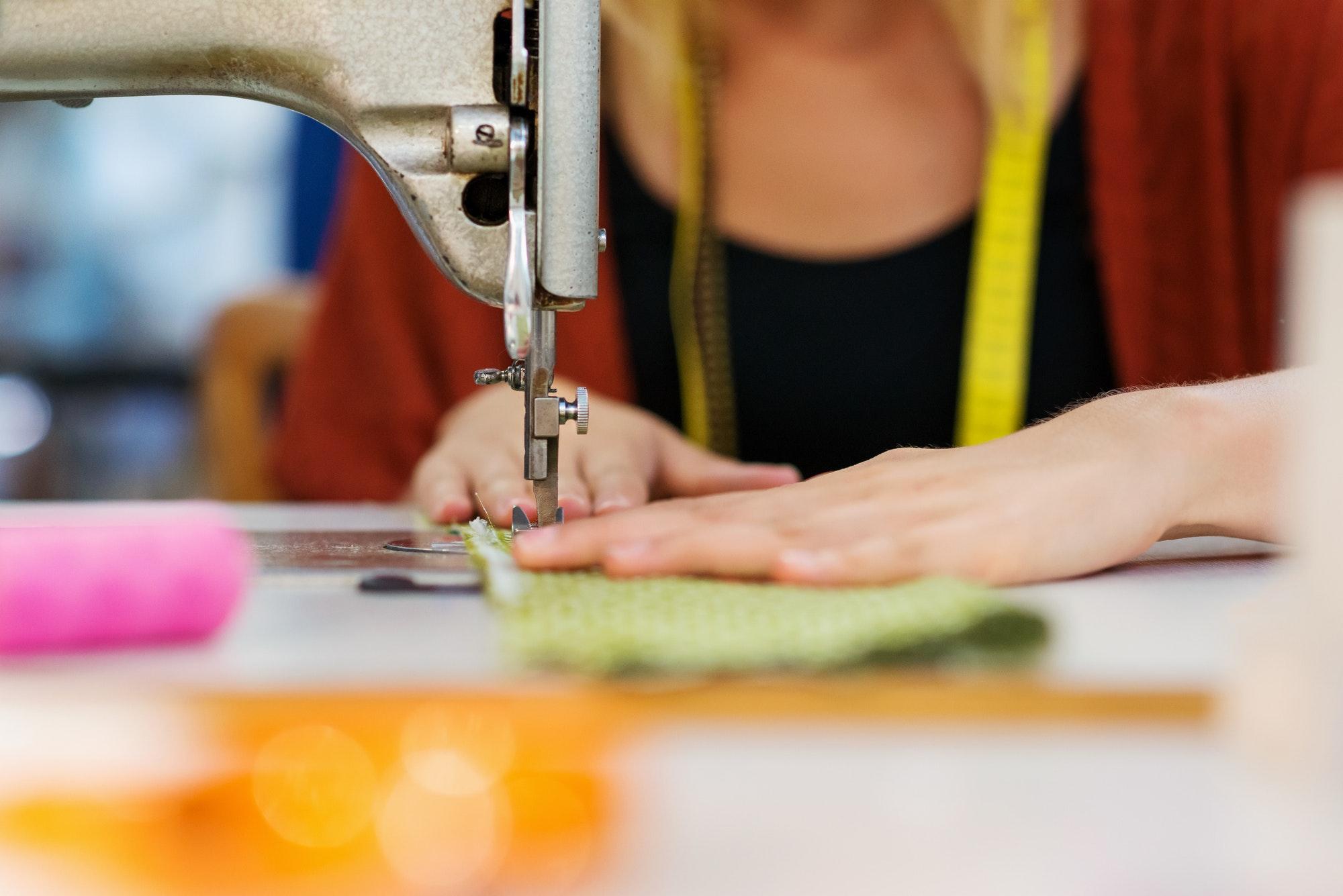 كيفية تعلم خياطة الفساتين في 5 خطوات فقط