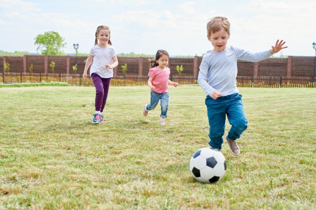 تعلم المهارات لكرة القدم