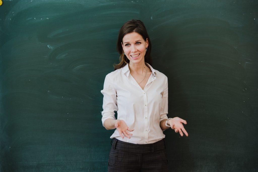 تعلم اللغات بدون معلم