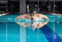 كيفية تعلم السباحة بسرعة في أقل من 15 يوم