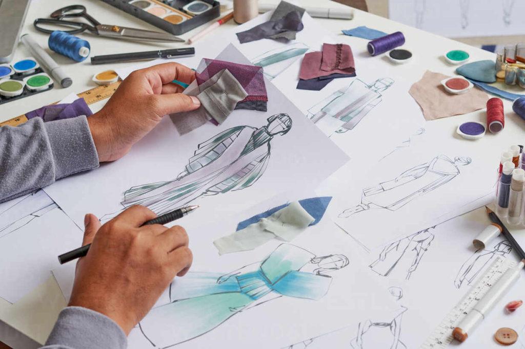 أفضل كورسات تعلم رسم تصميم الازياء