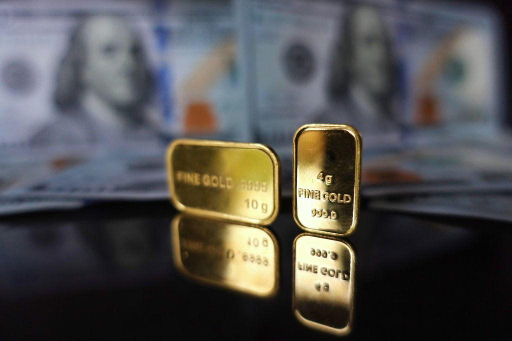 ما هي العوامل التي تحرك سعر الذهب؟
