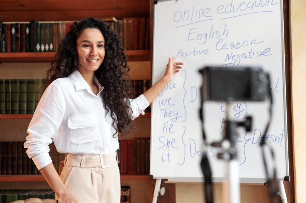 ما هو اسم المجال الذي ترغب فيه تعلم التدوين؟