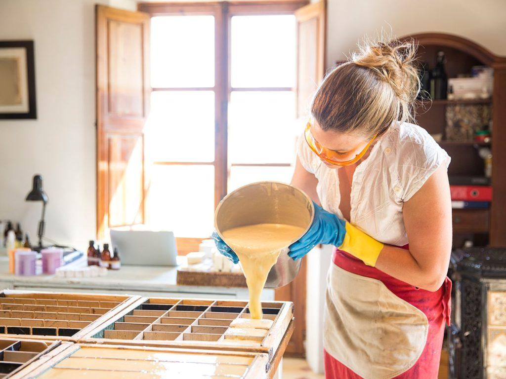 طرق صناعة الصابون في المنزل