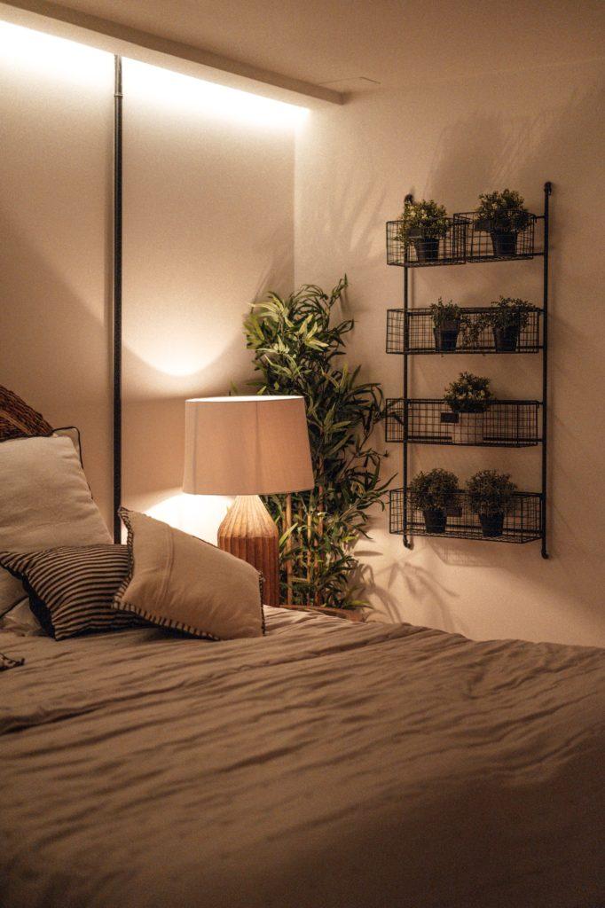 أفكار غرف نوم صغيرة المساحة للعرسان